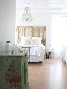 9021c2f60c679710_3599-w500-h666-b0-p0--shabby-chic-style-bedroom