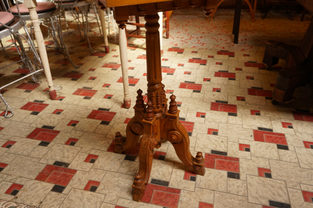 pied d estale east lake antiquit s deschambault. Black Bedroom Furniture Sets. Home Design Ideas
